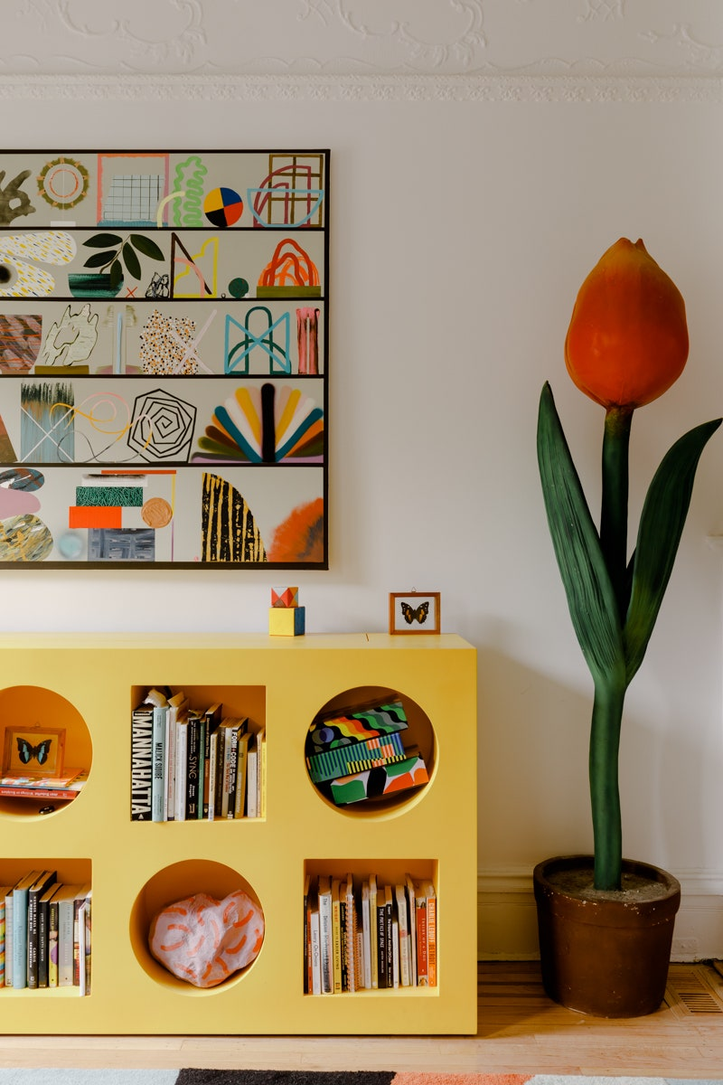 postmodern pop art memphis interior trend