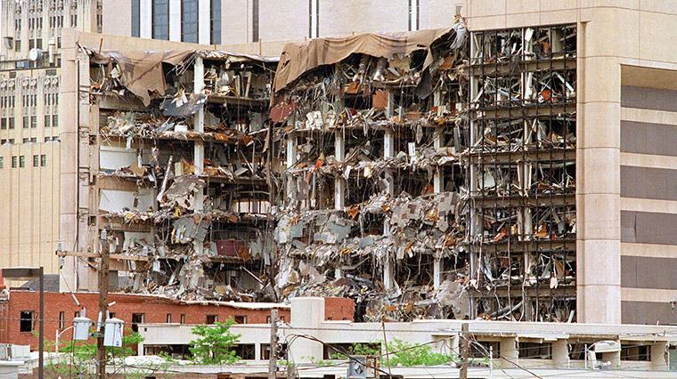 \\10.9.5.12\Media PR\PR\תמונות\תמונות להיילייטס\2018\מאי\HISTORY\ימים שעיצבו את אמריקה הפיגוע באוקלהומה סיטי.jpg