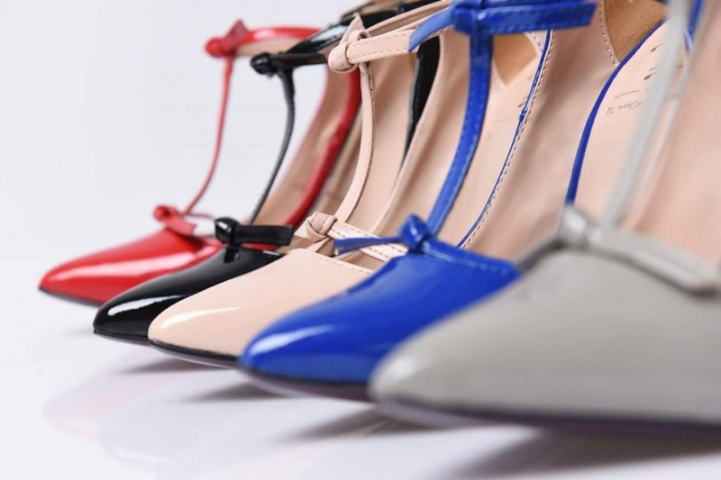 Bán sỉ giày dép dành cho nữ luôn thu hút được nhiều người