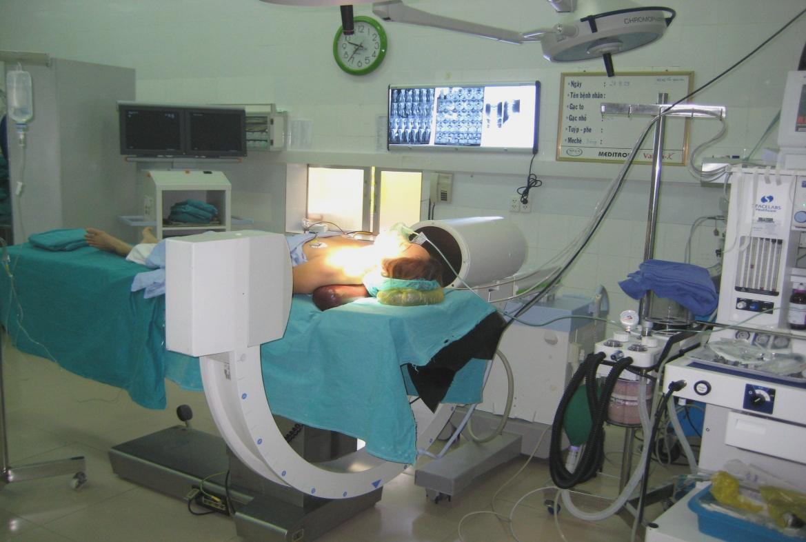 Tư thế bệnh nhân và chụp Xquang (C-arm) ở BN thoát vị đĩa đệm cột sống cổ
