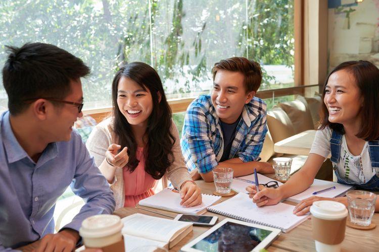 4. Kulina Indikasi Karyawan Happy - Membangun hubungan baik dengan rekan kerja