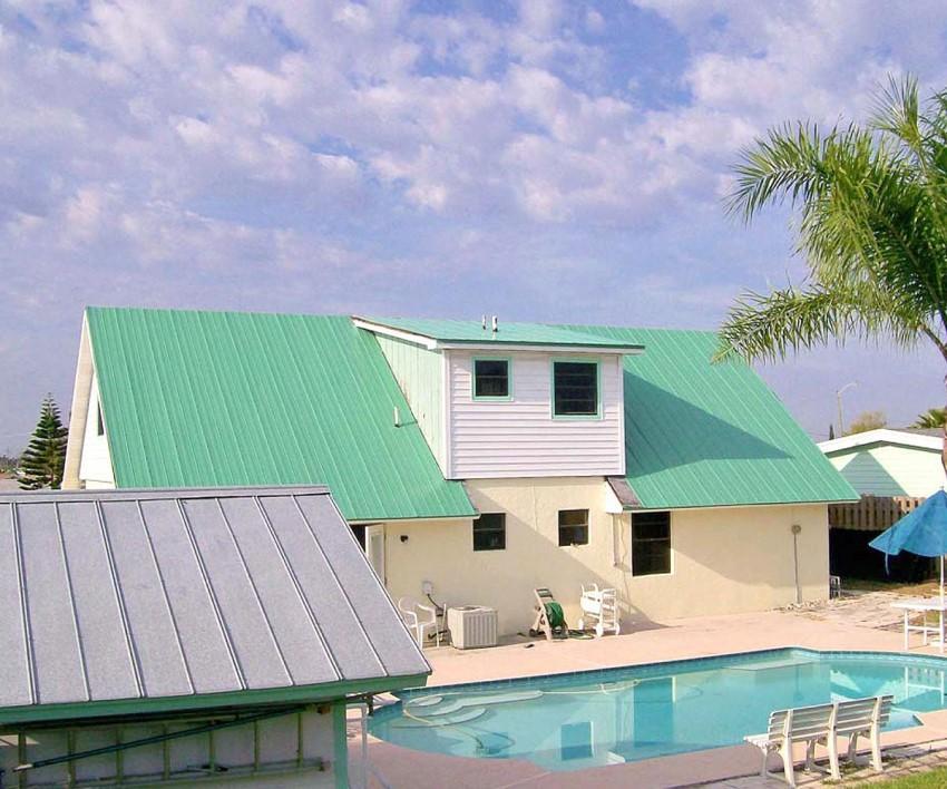 Tôn một lớp màu xanh ngọc tạo vẻ bền đẹp cho công trình