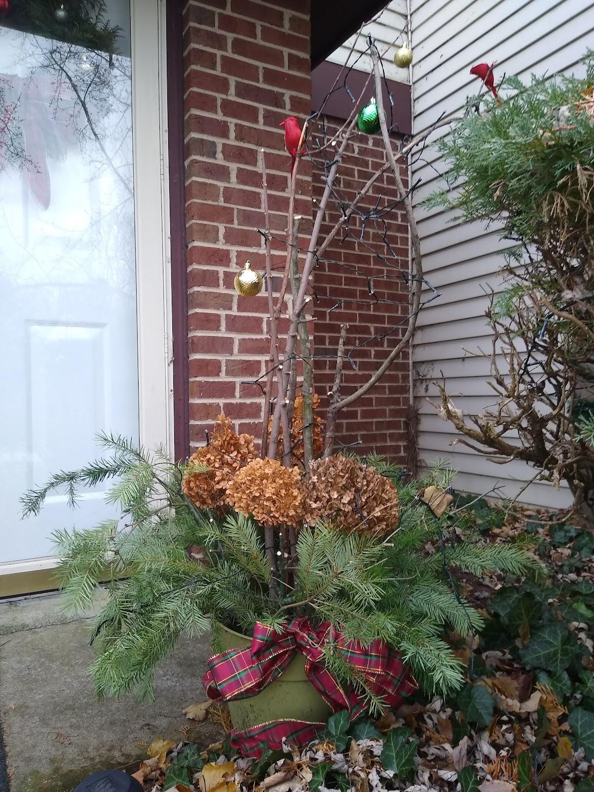 Christmas porch pot tutorial