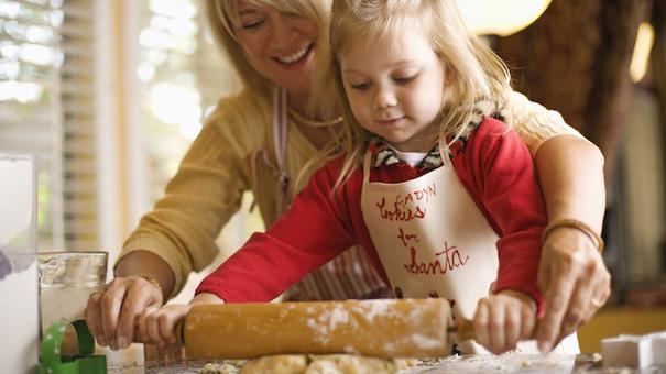 mother-daughter-baking-81266332-cookies.jpg