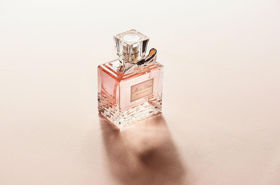 perfume-2574073_960_720.jpg