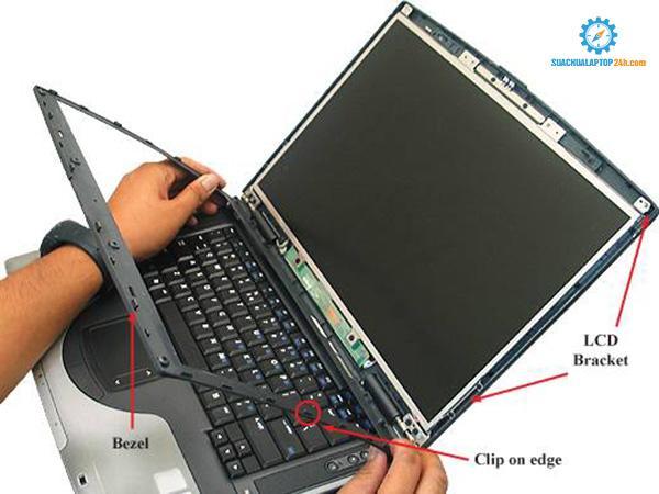 thay-man-hinh-laptop-samsung-2