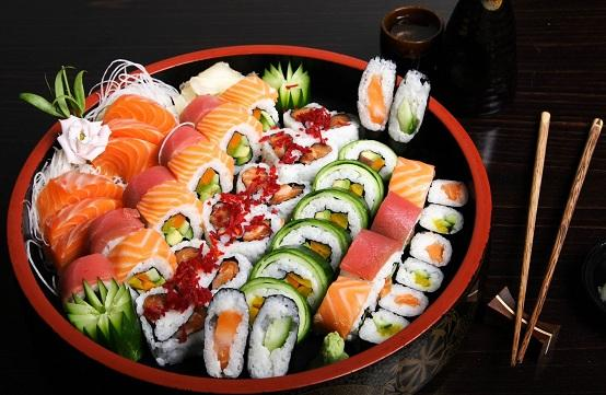 Image result for món ăn truyền thống sushi