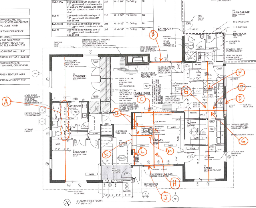 Planritning på fastighet med olika detaljer markerade