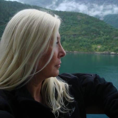 Marina Blaukitchen.jpg