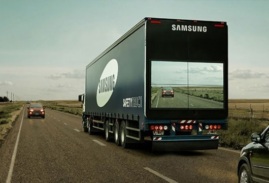 semi-trailer-display-video-screen-livThe best invention in 2015-samsung-1