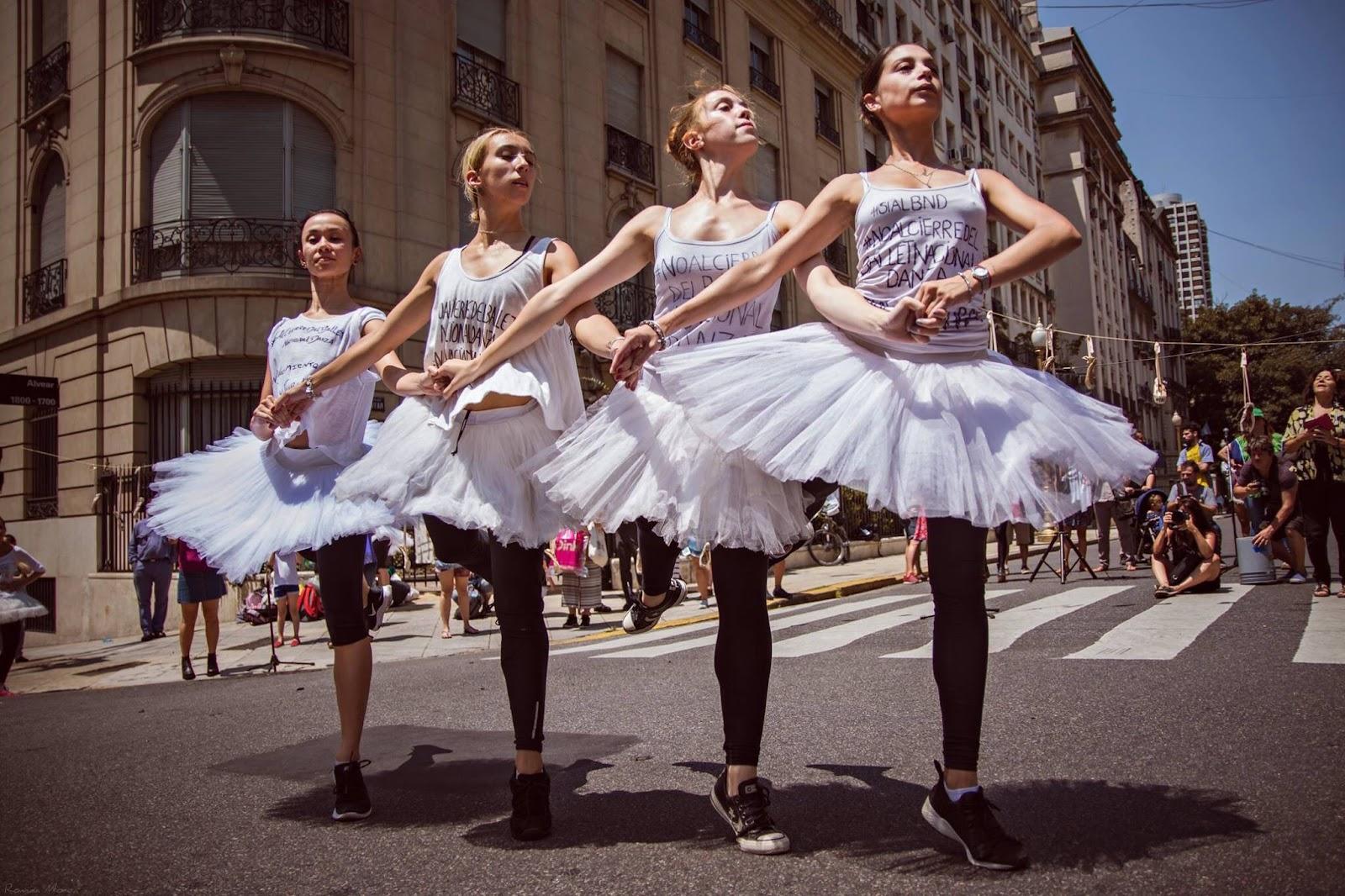 5c02dac9ab El Ballet Nacional terminó el 2017 con funciones de La Traviata en el  Coliseo