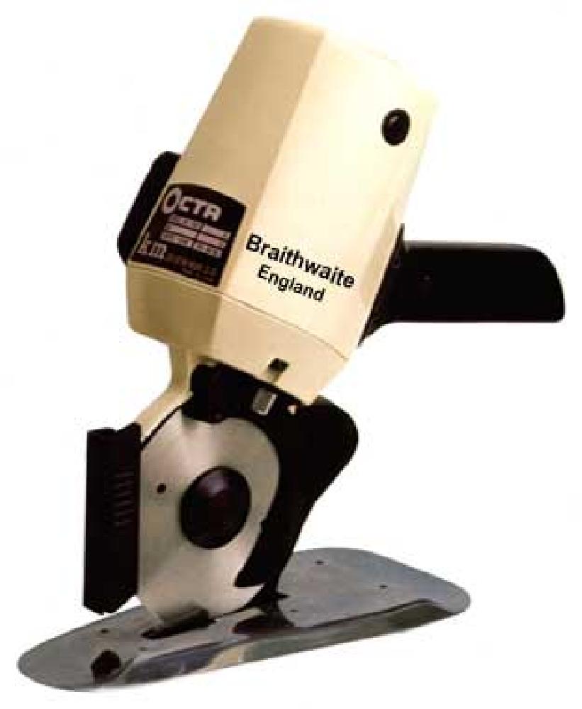 Những lựa ý khi sử dụng máy cắt vải cầm tay