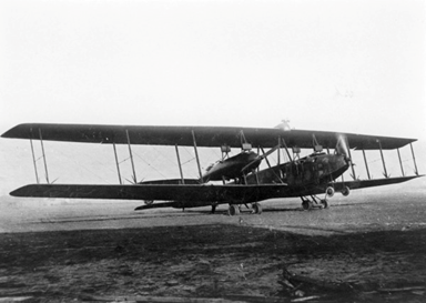 5-engined Riesenflugzeug Bomber Testing Engines in 1918