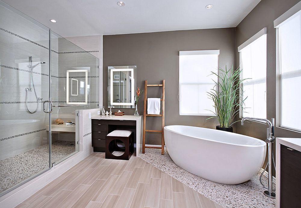 Cửa kính làm không gian phòng tắm thêm sang trọng