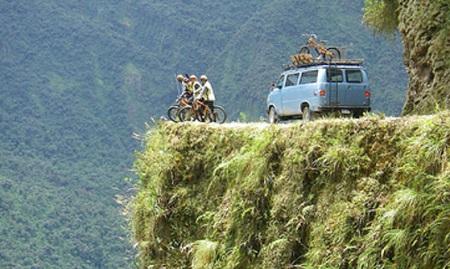 Inilah 7 Jalan Paling Menyeramkan di Dunia, Salah Satunya di Indonesia