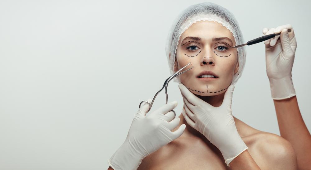 Simuladores 3D conseguem antecipar possíveis resultados de procedimentos estéticos. (Fonte: Shutterstock)