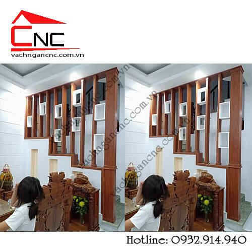 Mẫu vách ngăn cầu thang-giá lam gỗ trang trí phòng khách