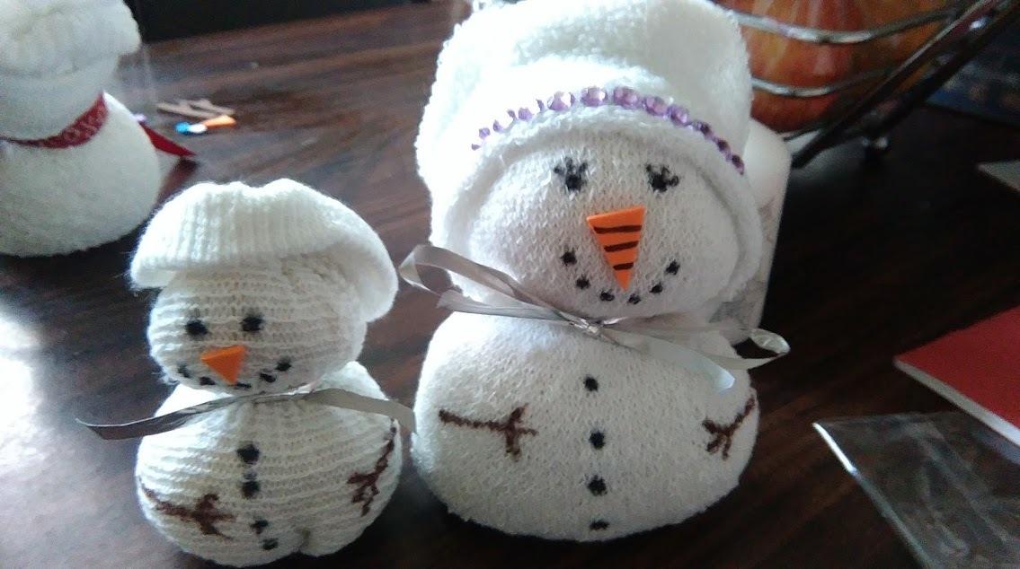 "(<img alt=""kids Christmas craft ideas sock snowmen"">)"