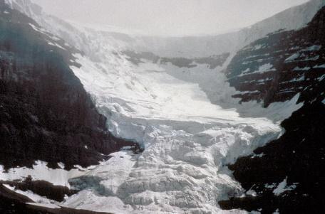 https://www.americangeosciences.org/sites/default/files/ERN_glacier_NOAA_h6ipfv.jpg