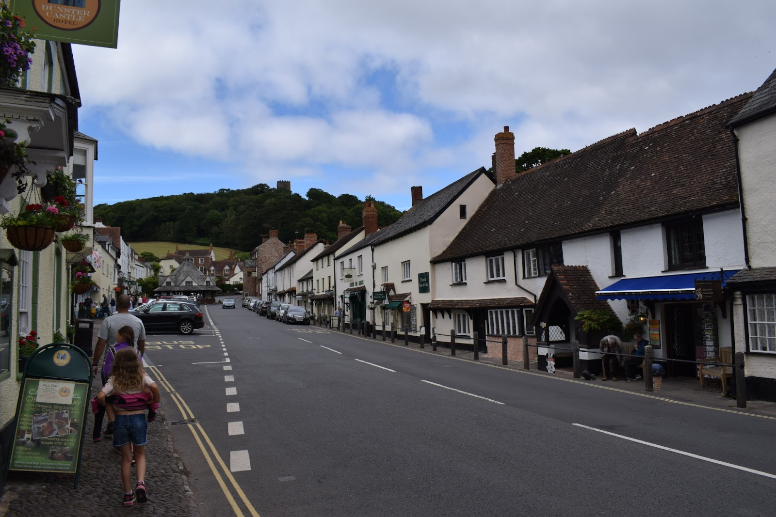 """(<img alt=""""dunster in Somerset"""">)"""