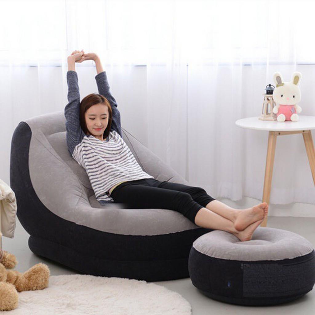 Sử dụng ghế nệm hơi để nghỉ ngơi mỗi khi mệt mỏi đều rất tiện lợi