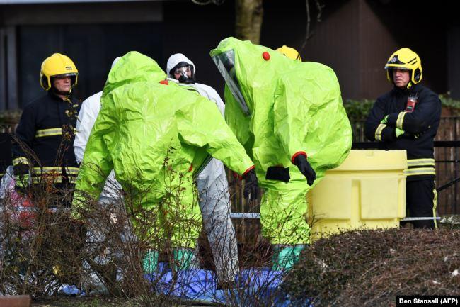 """Солсбери, Великобритания, 8 марта 2018 года, полиция на месте, где были найдены после отравления """"Новичком"""" Сергей и Юлия Скрипаль"""