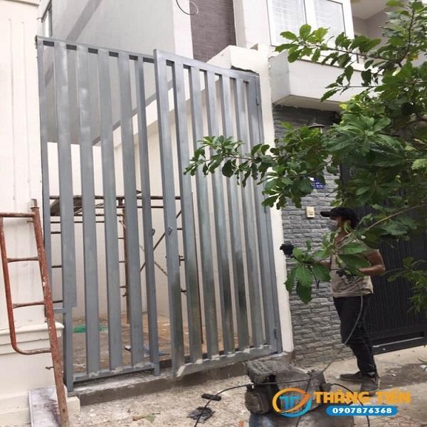 Thi công sơn tĩnh điện bảo vệ cổng sắt