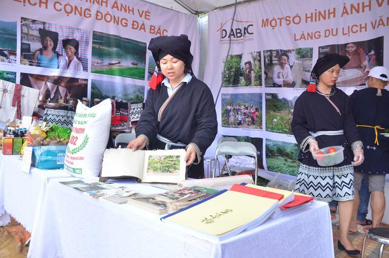 http://baohoabinh.com.vn/Includes/NewsDetail/5_2019/dt_8520191555_dsc_0819.jpg