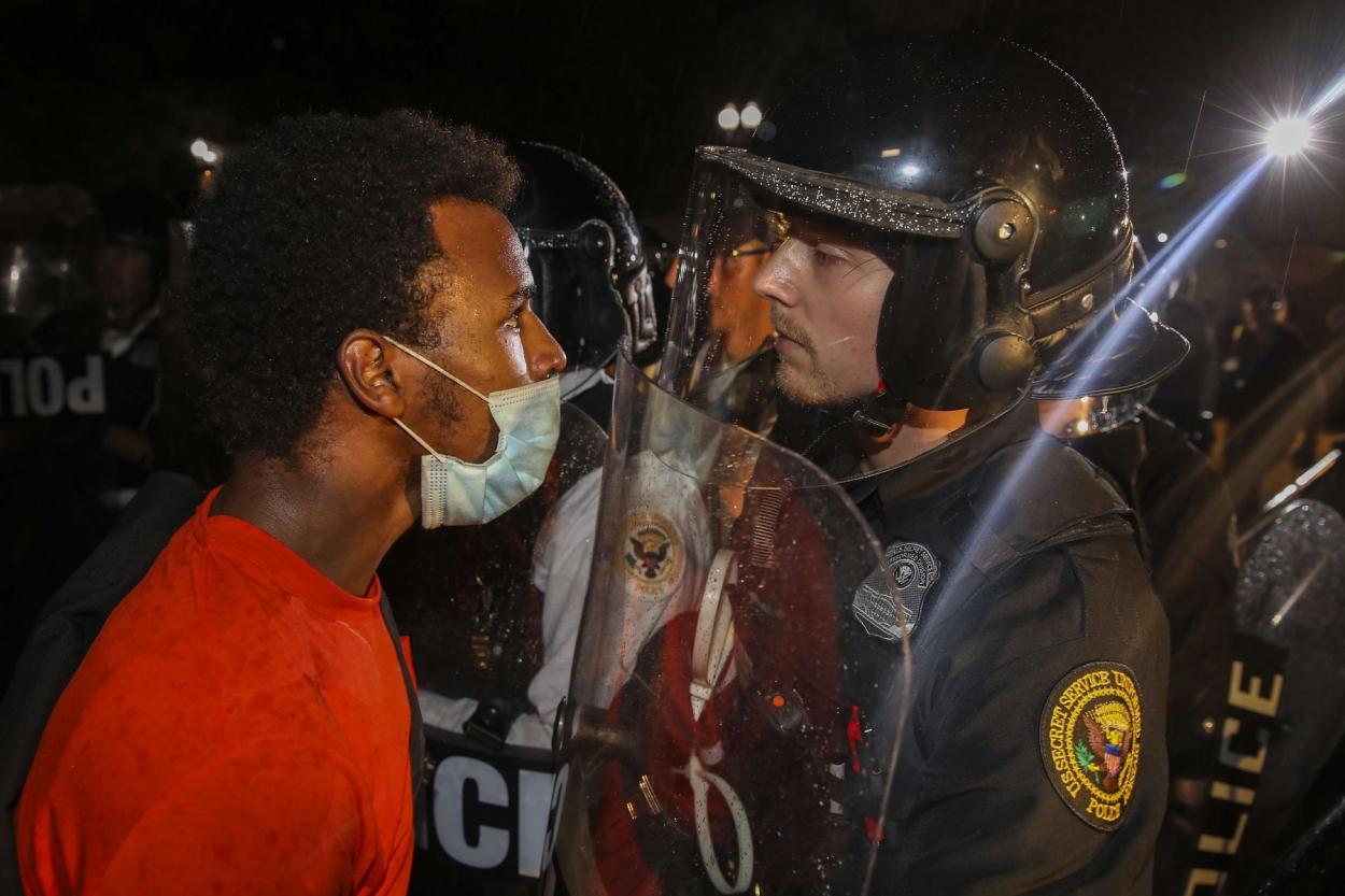 Черно-белая Америка: Россия организовала расовые беспорядки в США?