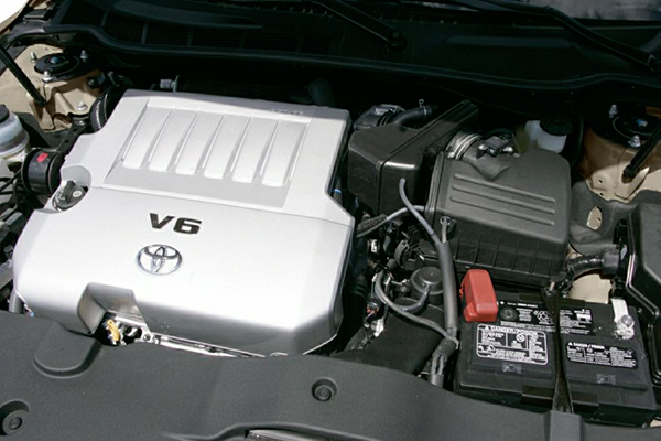 engine-of-the-2007-Toyota-Camry