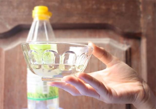 Sử dụng dấm ăn với hiệu quả khử mùi, diệt khuẩn cực kỳ hiệu quả