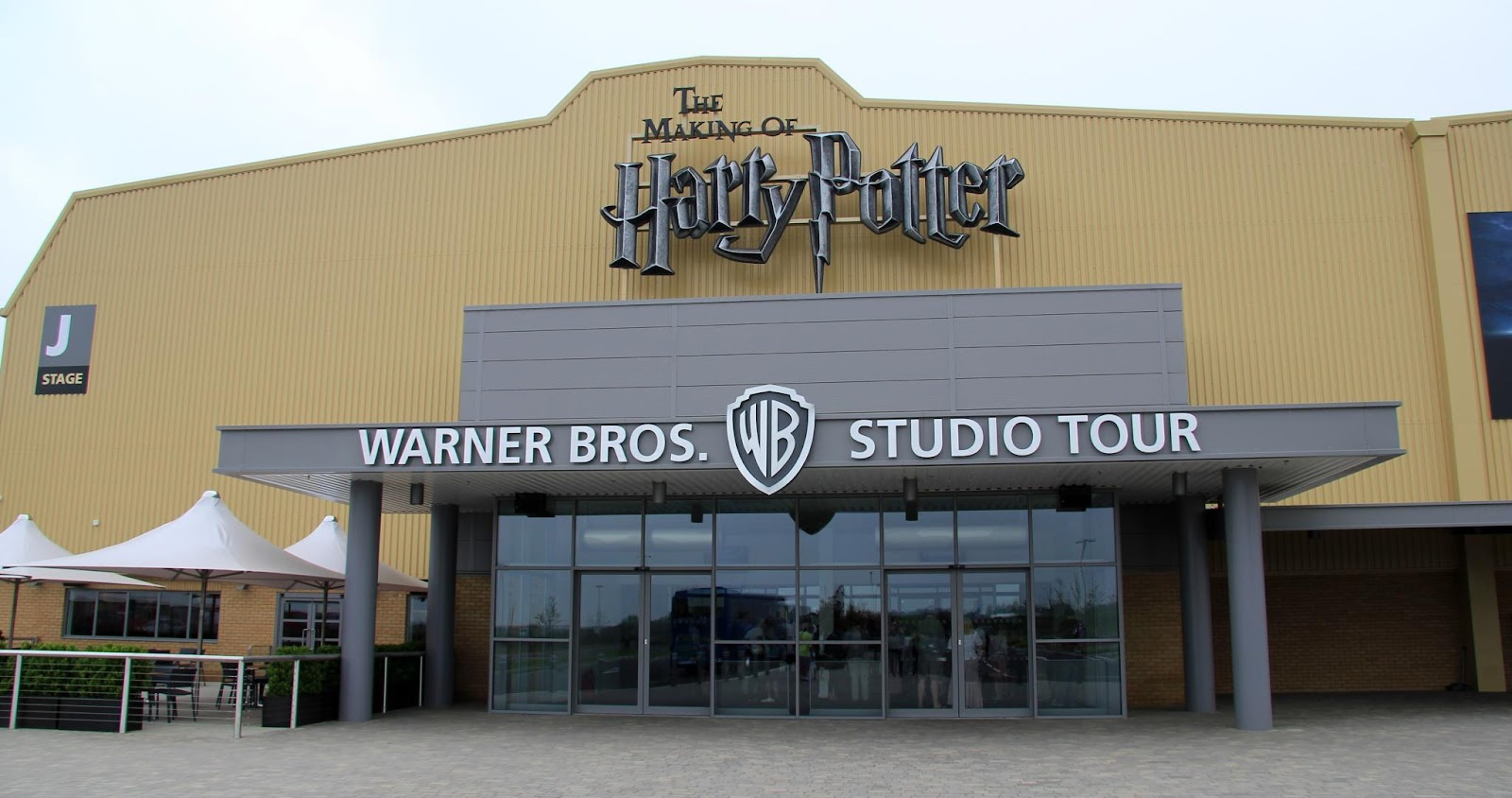 C:\Users\user\Desktop\Reacho\pics\Harry_Potter_Leavesden_entrance.jpg