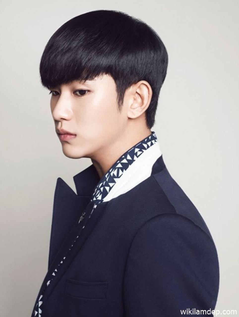 Tóc nam mái bằng đẹp phong cách cá tính ấn tượng như sao Hàn Quốc