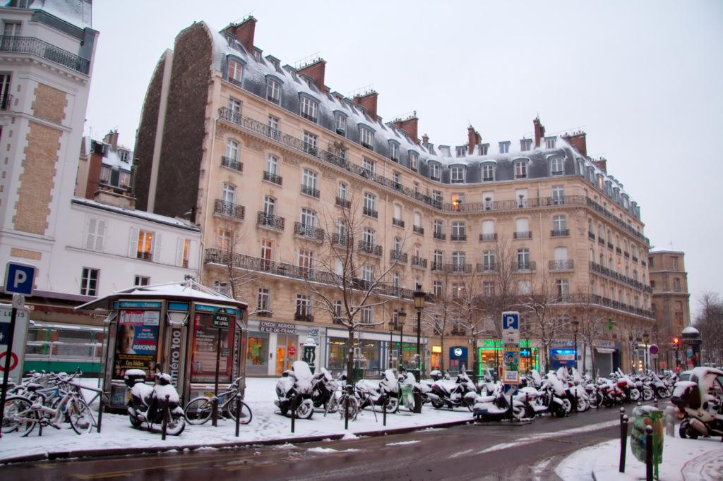 Place De Levis