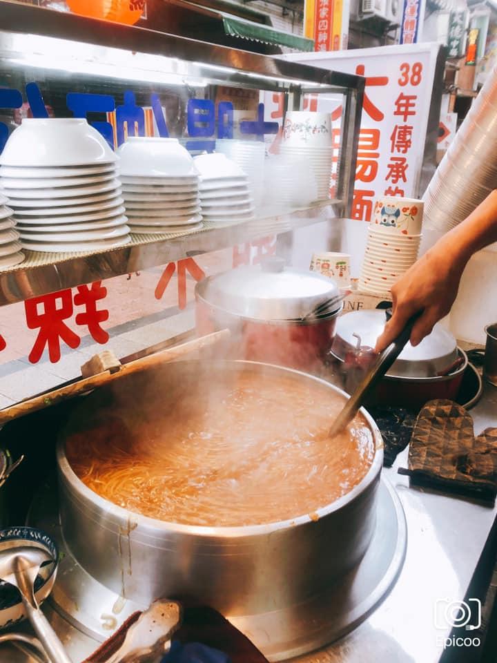 2021強薦最有溫度的台北大腸麵線!新北古早味小吃,一試就上癮的38年大腸麵蚵仔線