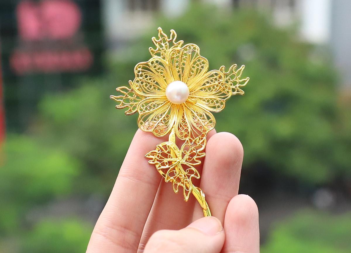 Lấp lánh bộ quà tặng ngày 20/10 lấy cảm hứng từ hoa của Royal Gift - Ảnh 1