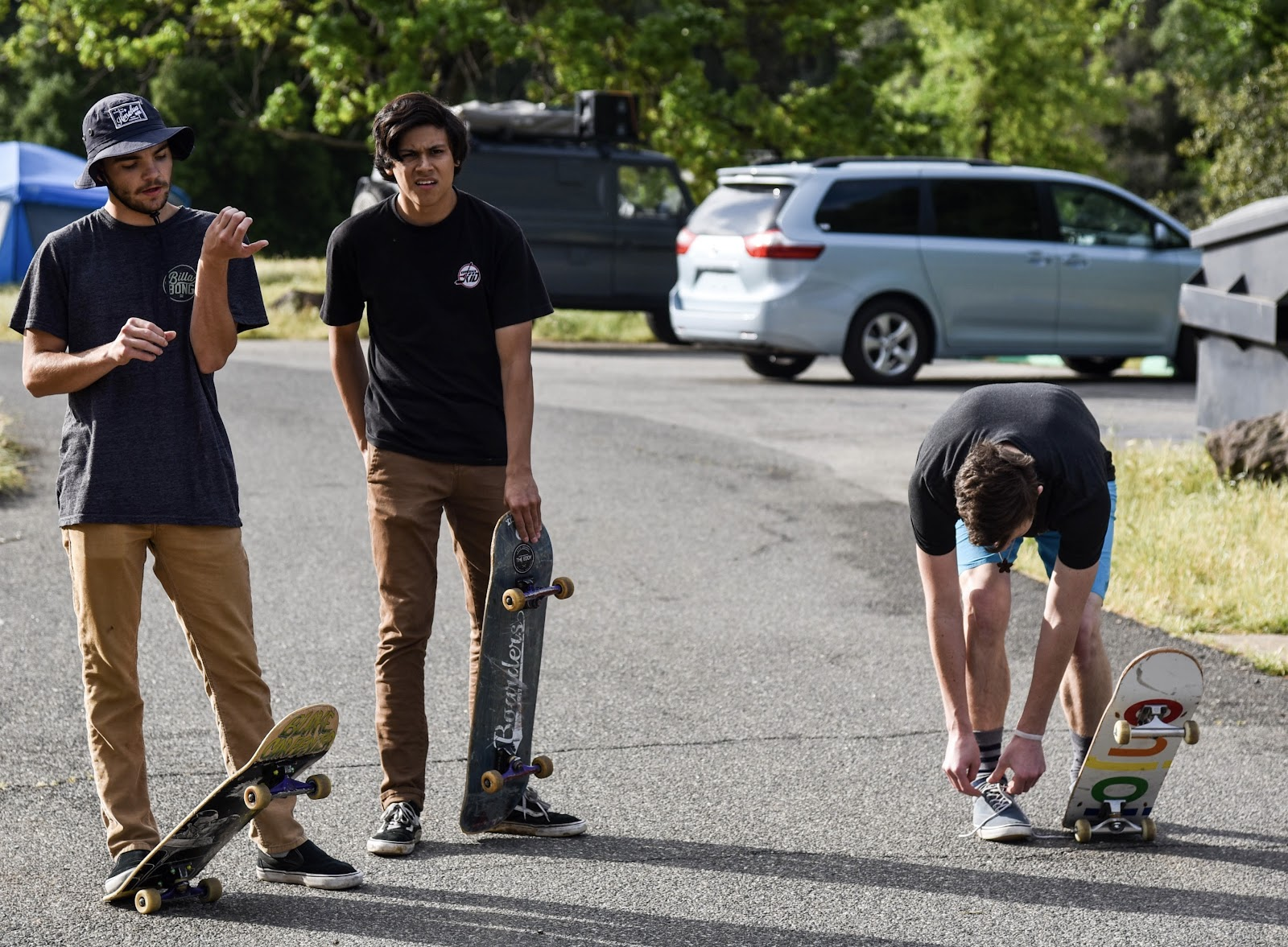Friends skateboarding around