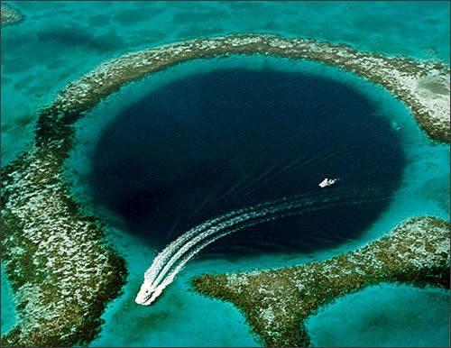 Hố sâu xanh, Belize