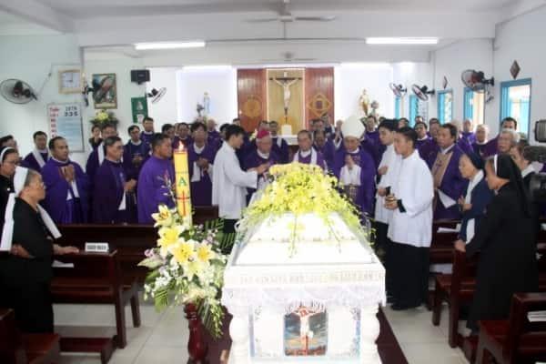 Thánh lễ an táng Linh Mục Phêrô Vũ Văn Tự Chương