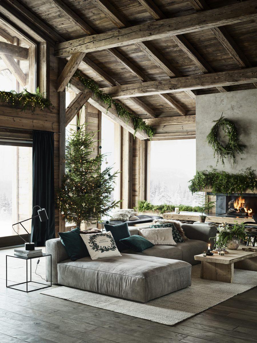 Karácsonyi színek, karácsonyfa díszítés trend 2020-2021 minimalista, skandináv karácsony