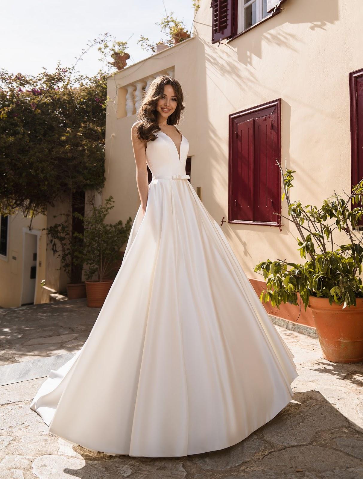 Атласное свадебное платье 2020