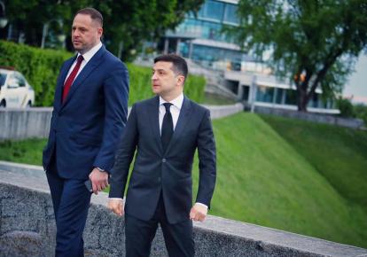 Андрей Ермак и Владимир Зеленский. Фото: facebook.com/yan.dobronosov