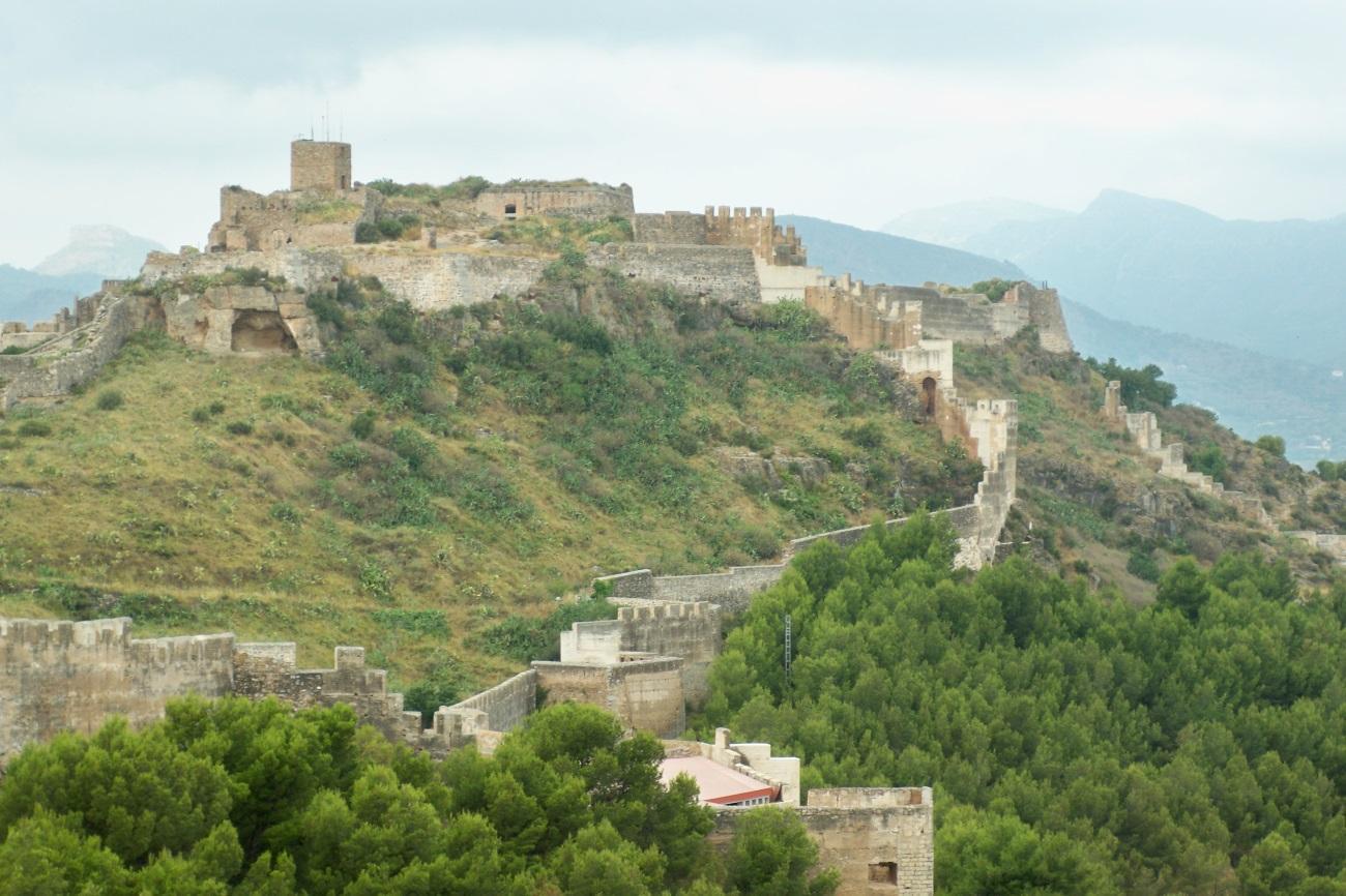 http://lugaresconhistoria.com/wp-content/uploads/2010/11/castillo.jpg