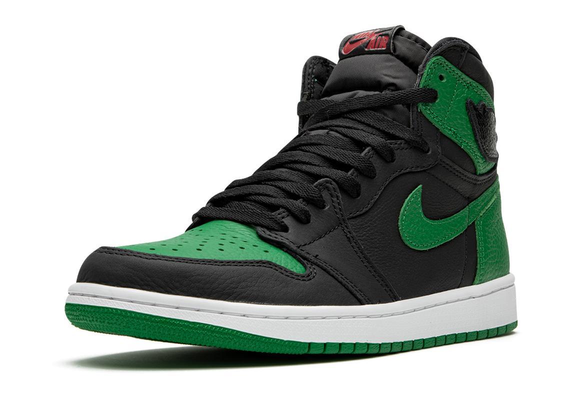 """Air Jordan 1 Retro High OG Black Pine Green"" สายเขียวถูกใจกันไหม 02"