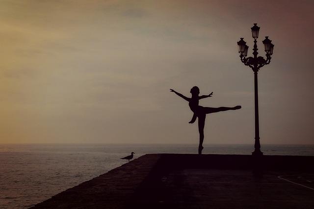 dancer-1489686_640.jpg