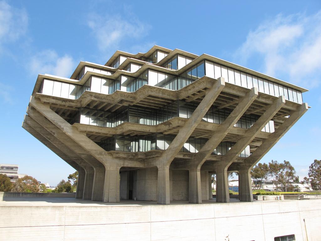 Thư viện Geisel đại học California- San Diego được thiết kế với màu xám đẹp và ấn tượng nhất thế giới