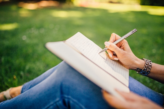 4 Creative Hobbies Everyone Should Try