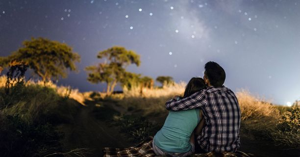 Nothing is more Romantic than Stargazing with your Date