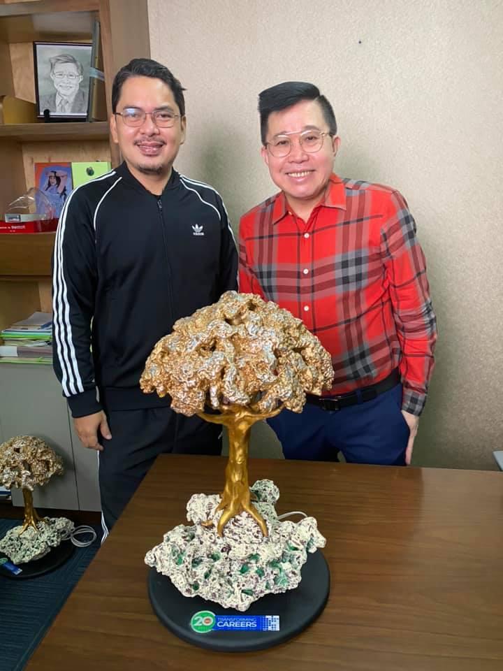 Glenn Cagandahan with Yu Ming Chin