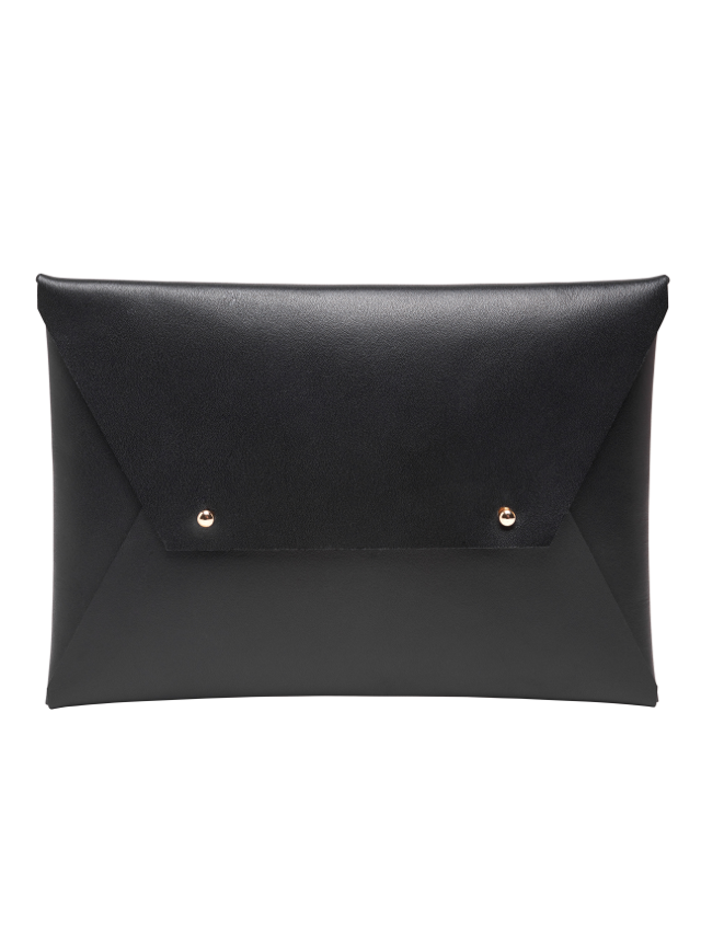 fashion for women over 50 - Tribe Alive Leather Clutch